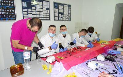 Практичні заняття з імплантології